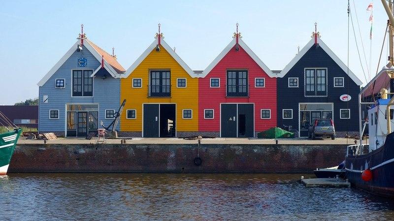 Scandinavische huisjes in de Reitdiephaven Groningen