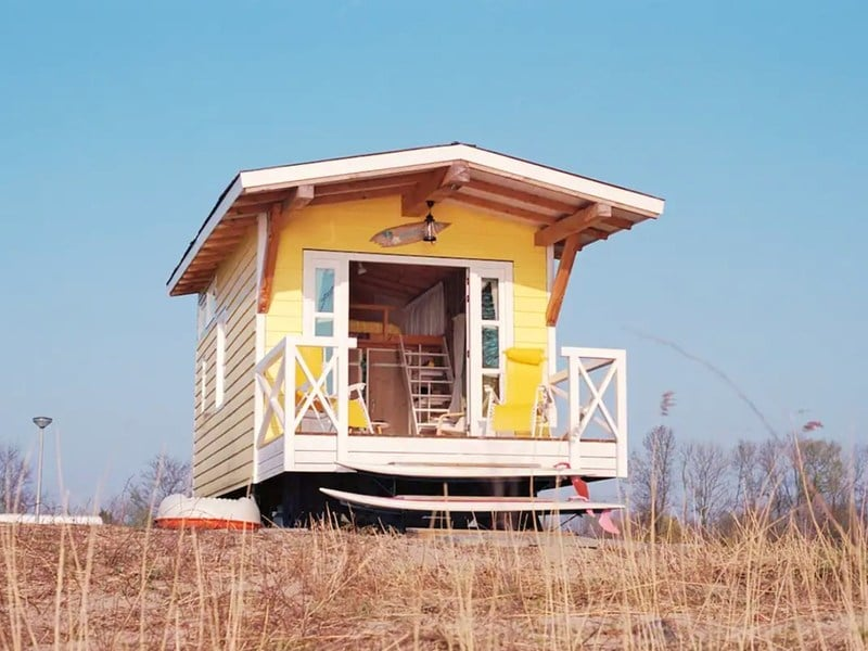 Yellow Tiny House in Zuid-Holland