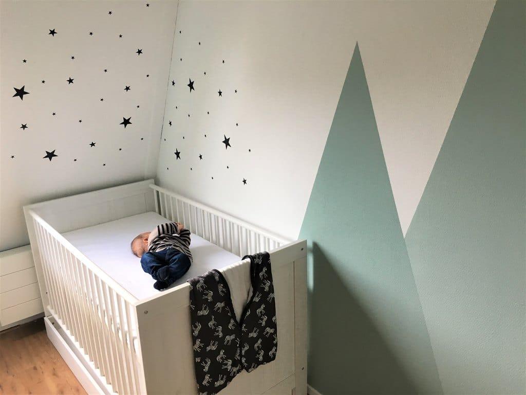 Ledikant op babykamer